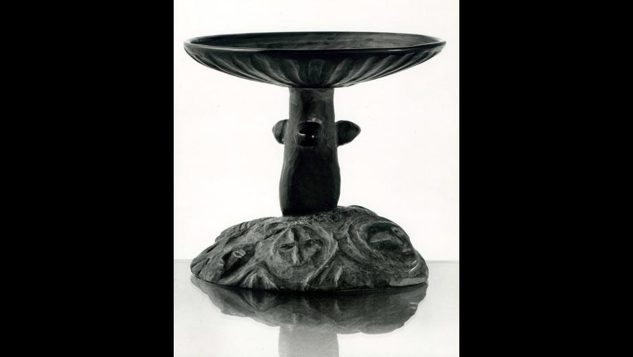 Miska-středověk, čedič,sklo, obsidián, 1994
