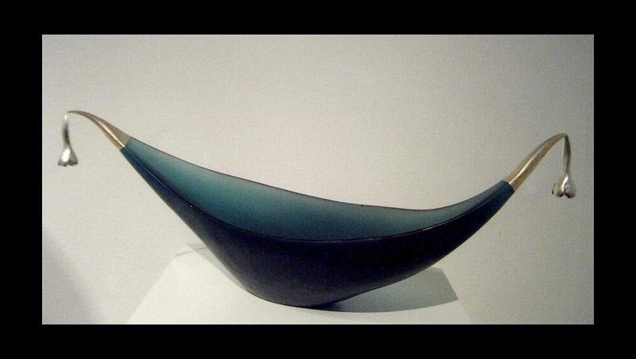 Loď Kvítek, tavená plastika, bronz ,bílé zlato, 1998